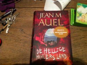 bok: De hellige hulers land – Jean M. Auel (spoiler)