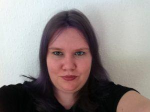 Meg med lilla hår (bilder)